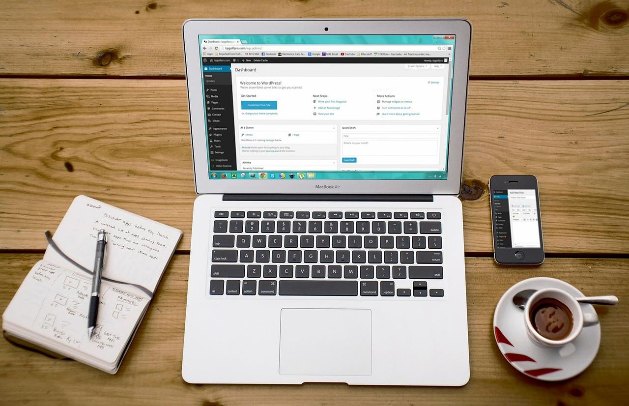 laptop with wordpress
